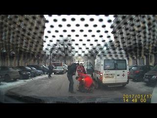 Нападение с ножом на водителя скорой !