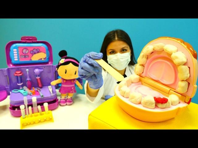 Eğiticiçocukvideosu. Diş doktoru Dr. İrem Şila`yı tedavi ediyor 💊💉 doktoroyunu