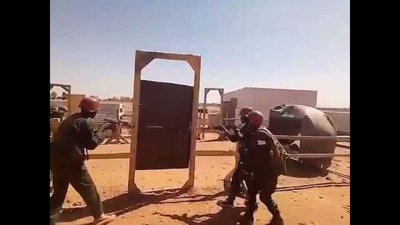 Трудности обучения африканских солдат ))