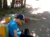 Малолетка под чем-то на ул. Энтузиастов в Омске (21.06.2017)