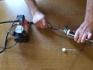 Как сделать самодельный многоразовый баллон сжатого воздуха для чистки компьютера.
