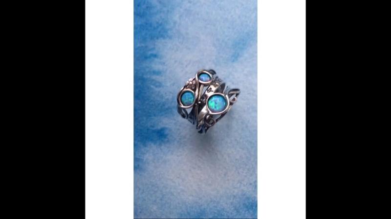 Кольцо с камнем опал