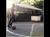 Tory Lanez играет в баскетбол с парнем по прозвищу Toosi
