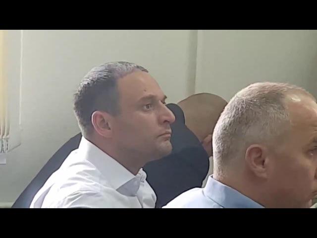 У суді Михайла Добкіна посилено підтримує брат Дмитро