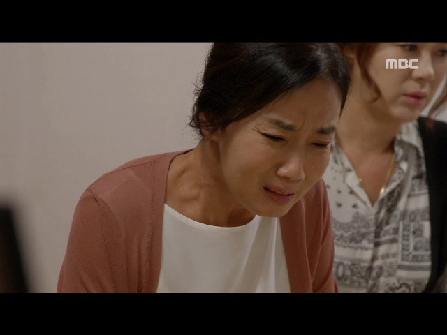 [All Kinds of Daughters-in-law] 별별 며느리 51회 - Jo Kyungsook cries in front of family 20170815