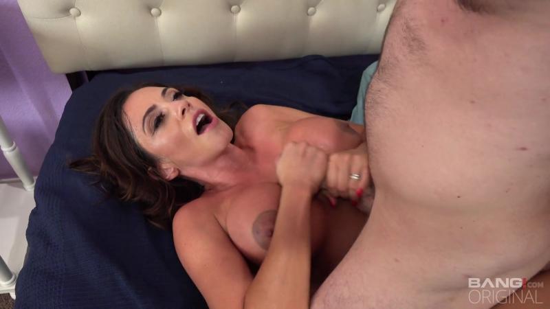 Big Tit Milf Ariella Ferrara Fucks The Pool Mechanic [Big Tits,MILF,Facial,All Sex,New Porn 2017]