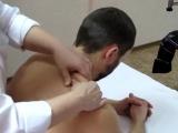 Как правильно делать массаж межлопаточной области, шеи, воротниковой зоны и плеч