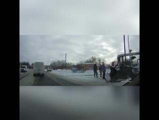 ДТП на улице 2-я Солнечная Lexus и Prius