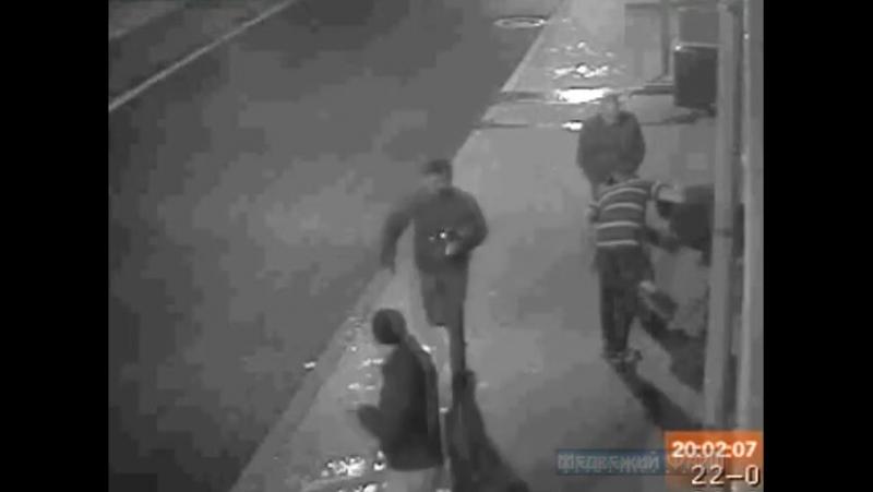 Двое приятелей зарезали 20-летнего студента. Пострадавшего сначала жестоко избили, затем несколько раз ударили ножом