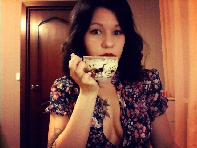 Девушка теряет халат реклама йогурта