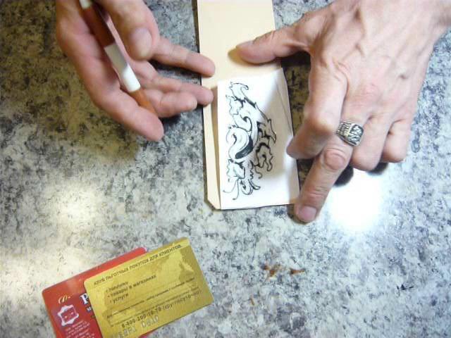 3. Картхолдер (Making leather cardholder). Переводим рисунок на кожу картодержателя