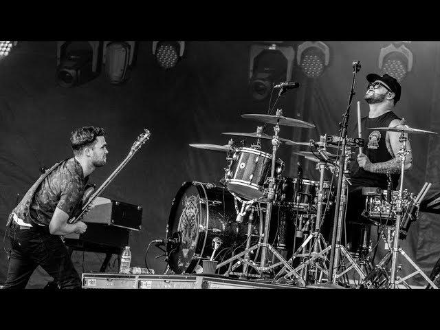 Royal Blood - Lights Out (Lollapalooza 2017) 1080 HDTV