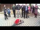 Котлас паренёк танцует цыган попрошайка на свадьбе руские и цыгани жесть сольвы...