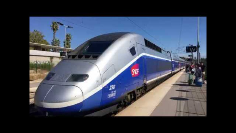 TGV trains at Antibes station / Скоростной TGV поезд на вокзале Антиб