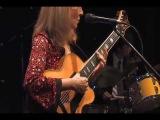 Diane Hubka - jazz vocalist / guitarist - Dindi