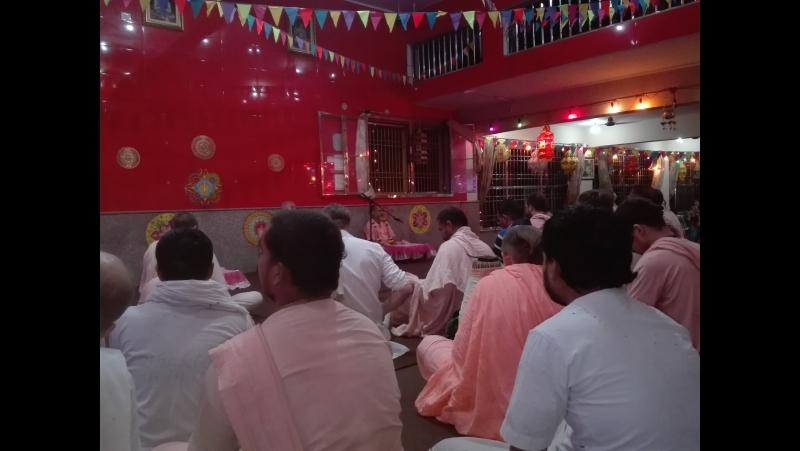 День ухода Шри Шримад Бхакти Дживаны Джанарданы Госвами Махараджа. 2.12.2016, вечер