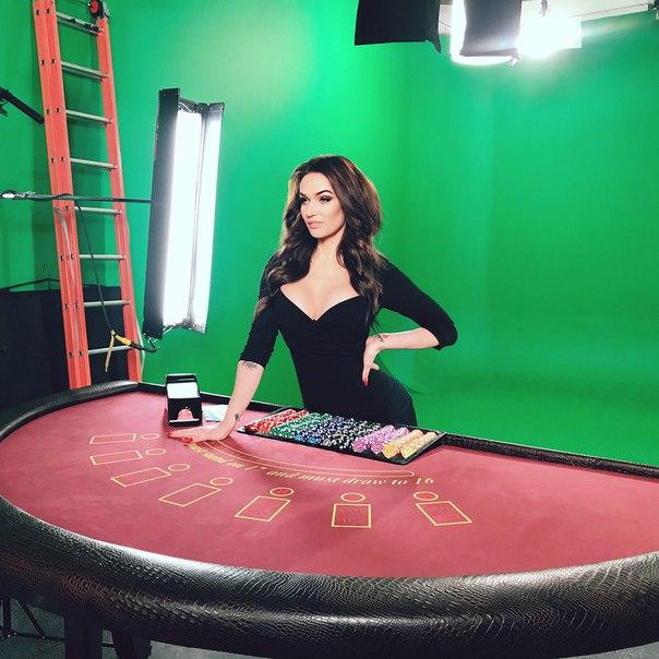 Алена Водонаева начала рекламировать интернет-казино.