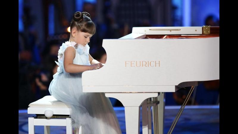 Такая маленькая пианистка и такой большой талант Синяя птица Валерия Руденко Л Бетховен К Элизе