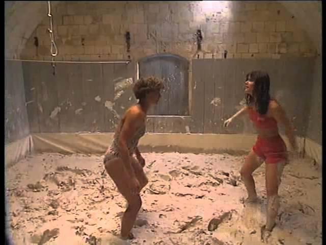 Fort Boyard Crazy Horse 2001 Lutte Dans La Boue Mud Wrestling
