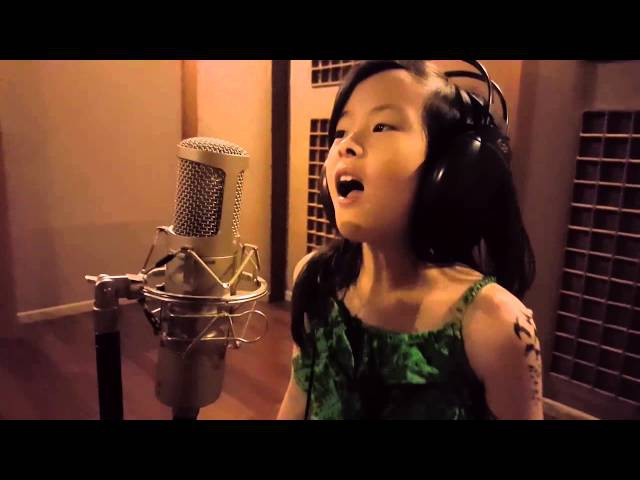 Clarice Cutie sing Flashlight ( cover of Jessie J's famous Hits )