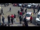 Владивосток Толпа полицейских марсиан смогла справиться с девушкой аборигенкой