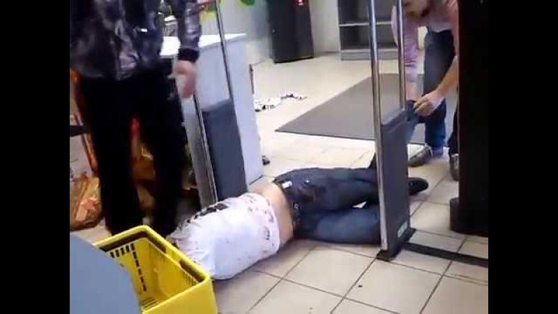 Пьяная драка в магазине ( Бухой ? в гавно бля ) 18 Drunken brawl in the store ( Drunk shit fuck )