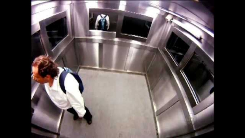 Extremely Scary Ghost Elevator Prank in Brazil / Menina Fantasma no Elevador / Just for laughs