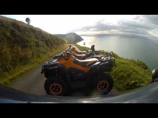 Land rover towing Countisbury hill