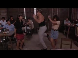 Жан-Клод Ван Дамм повторил танец из «Кикбоксера» через 26 лет
