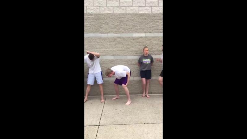 Подростков обрызгали перцовым баллончиком