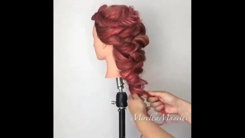 Прическа на длинные волосы на основе жгутов