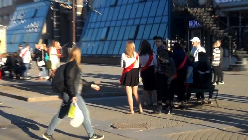 Центр Вологды оккупировали выпускники! ГужевTV