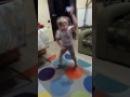 Две девочки танцуют под песню опа гангам стайл. Смех до слёз.