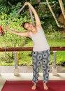 Как использовать ремешок для йоги: 10 способов