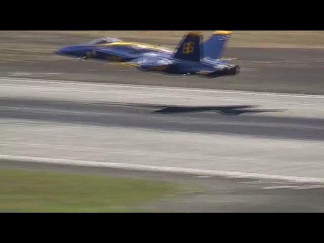 AWESOME TAKEOFF! Blue Angels