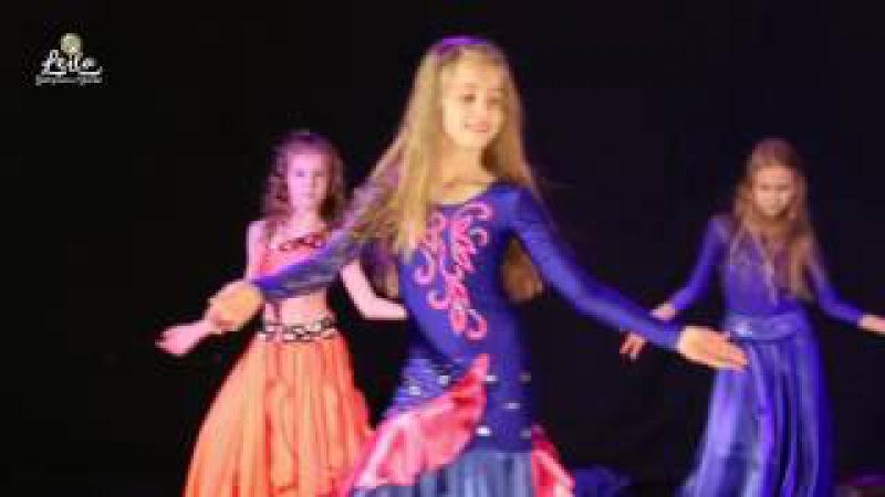 Танец с платками.СВТ ЛЕЙЛА. Дети Начинающие. Отчётный концерт. Восточный танец.