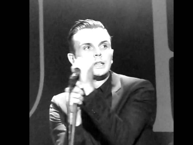 Theo Hutchcraft - Unchained Melody (Cover during soundcheck)