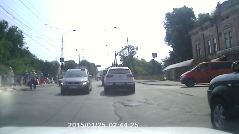 Щодня курйози на дорогах Чернівців! ЧЕ - це Европа😁
