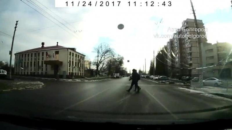 Бессмертные пешеходы на пр. Славы 24.11.17