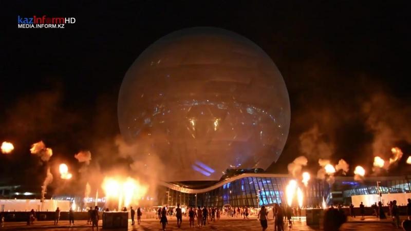 Сферическое шоу с огнем показали на ЭКСПО-2017 » Freewka.com - Смотреть онлайн в хорощем качестве