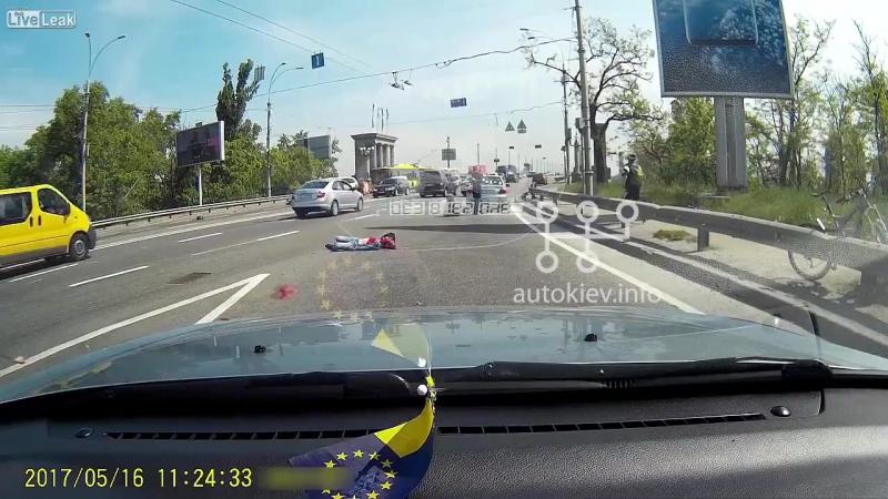 Мотоциклист погиб в страшной аварии, Киев