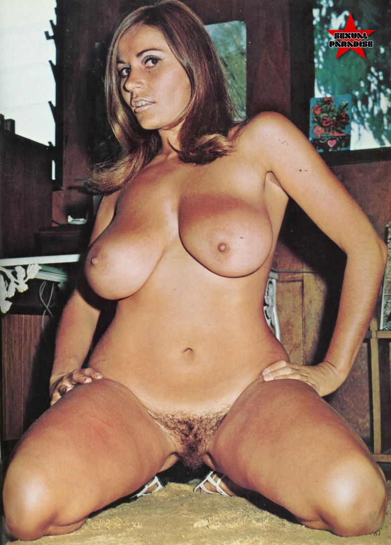 Extremely impressive busty brunette mature driving penis