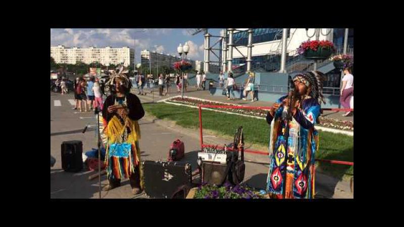 Ecuadorian indian music in Moscow - Музыка индейцев Эквадора в Москве