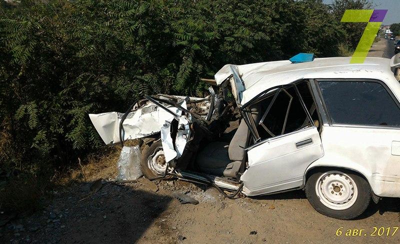 """На Объездной дороге в Одессе """"четверка"""" врезалась в фуру: два человека погибли на месте - Цензор.НЕТ 6164"""