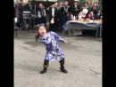 Девочка зажгла танцпол - [Веселые Кавказцы]