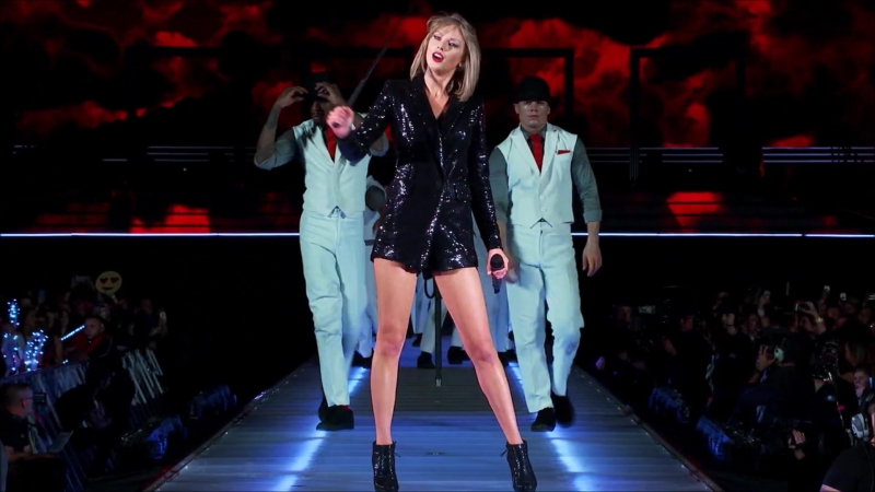 Taylor Swift - Blank Space (Live at The 1989 World Tour 2015)