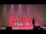 колыбельная. девочка на сцене танцевала. кораллы.