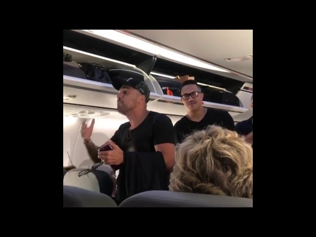 Tirulipa atrapalha a passagem de Mano Brown no avião e Tom Cavalcante filma tudo (Encontro surreal)