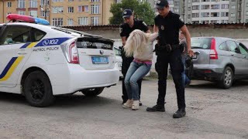 Я переїхала мусора і пишаюся, - франківські патрульні вдруге затримали п`яну Тетяну Михайлову16