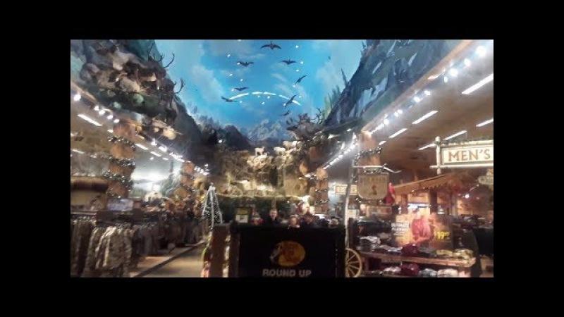 США. Аляска . Анкоридж. В ГОСТЯХ У САНТЫ! Магазин для охотников и рыбаловов и не т ...